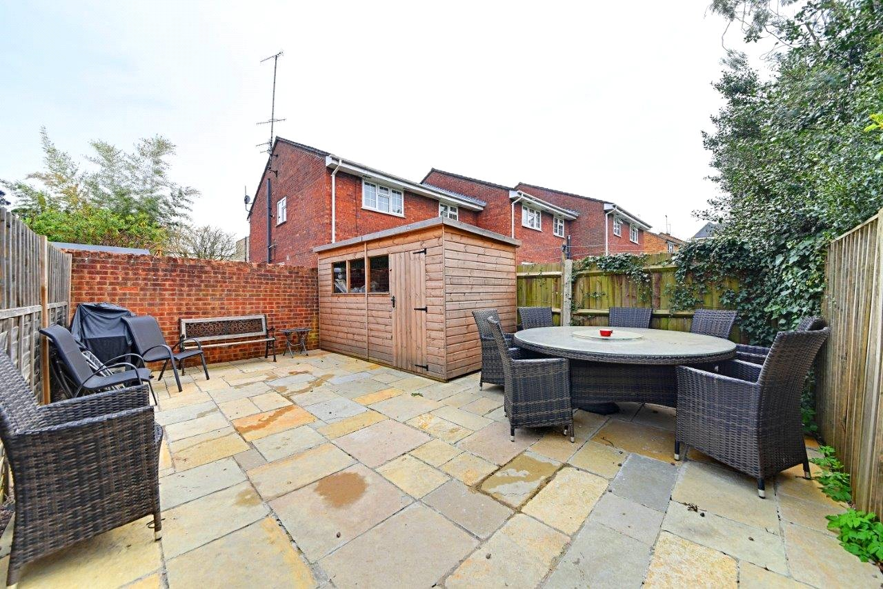 4 bed house to rent in Leicester Road, New Barnet 2