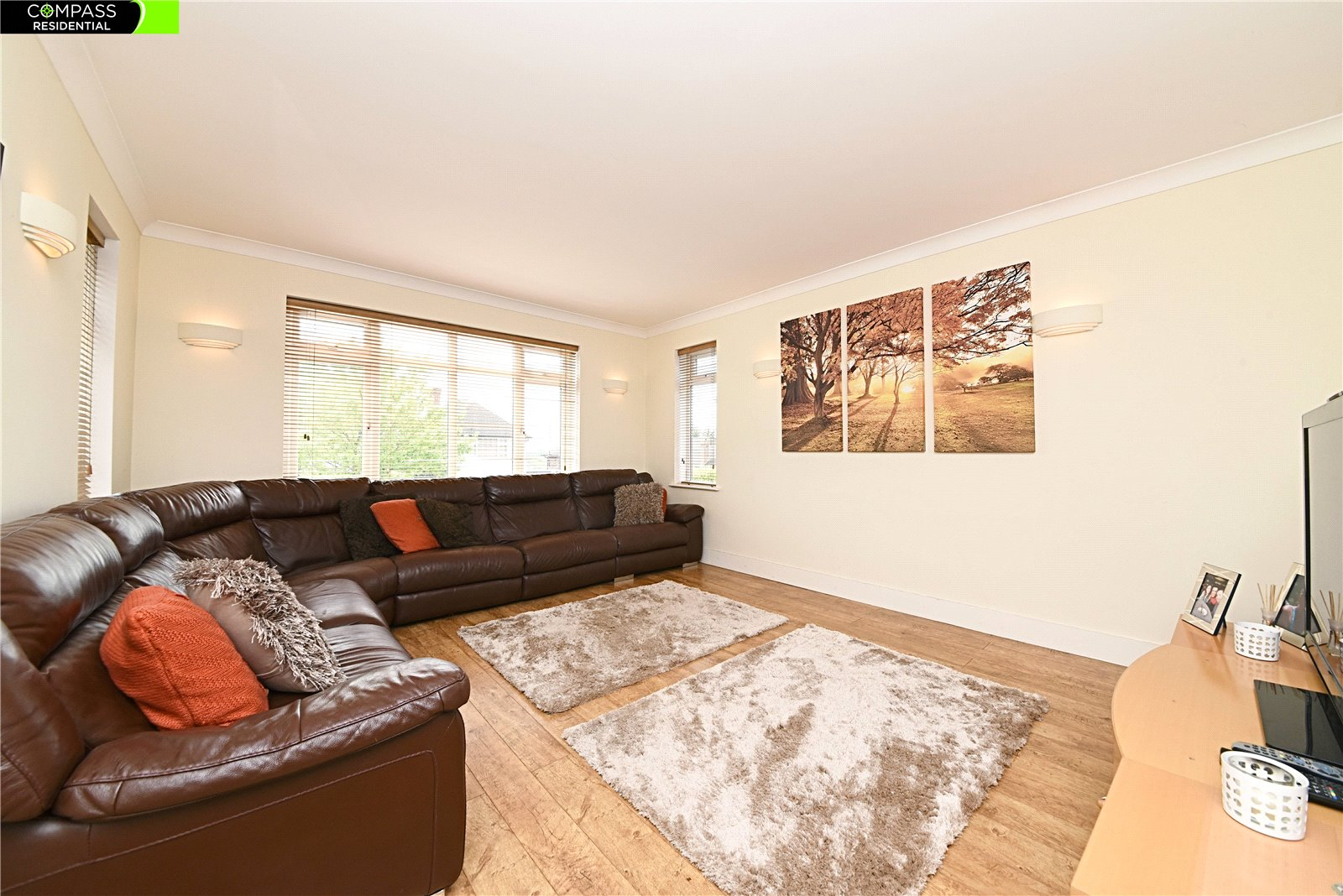 4 bed house for sale in Stanmore, HA7 3AZ  - Property Image 2