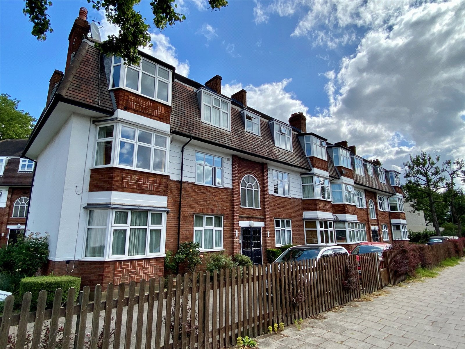 2 bed apartment to rent in East Finchley, N2 0TA  - Property Image 1