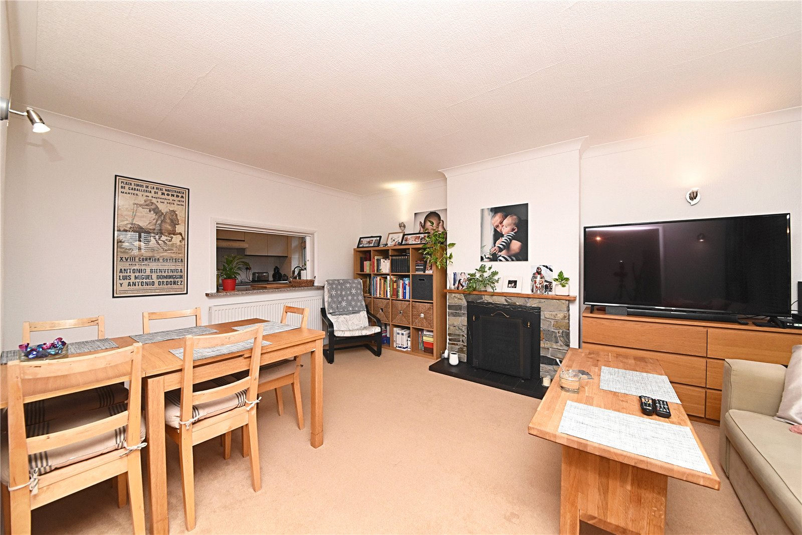 2 bed bungalow for sale in Barnet, EN4 9QT  - Property Image 2