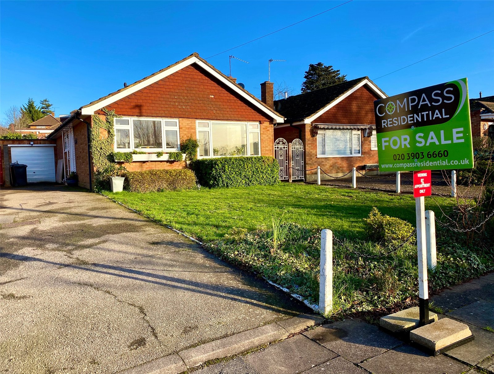 2 bed bungalow for sale in Barnet, EN4 9QT, EN4