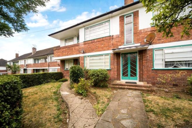 2 bed apartment to rent in Ossulton Way, East Finchley, N2 0