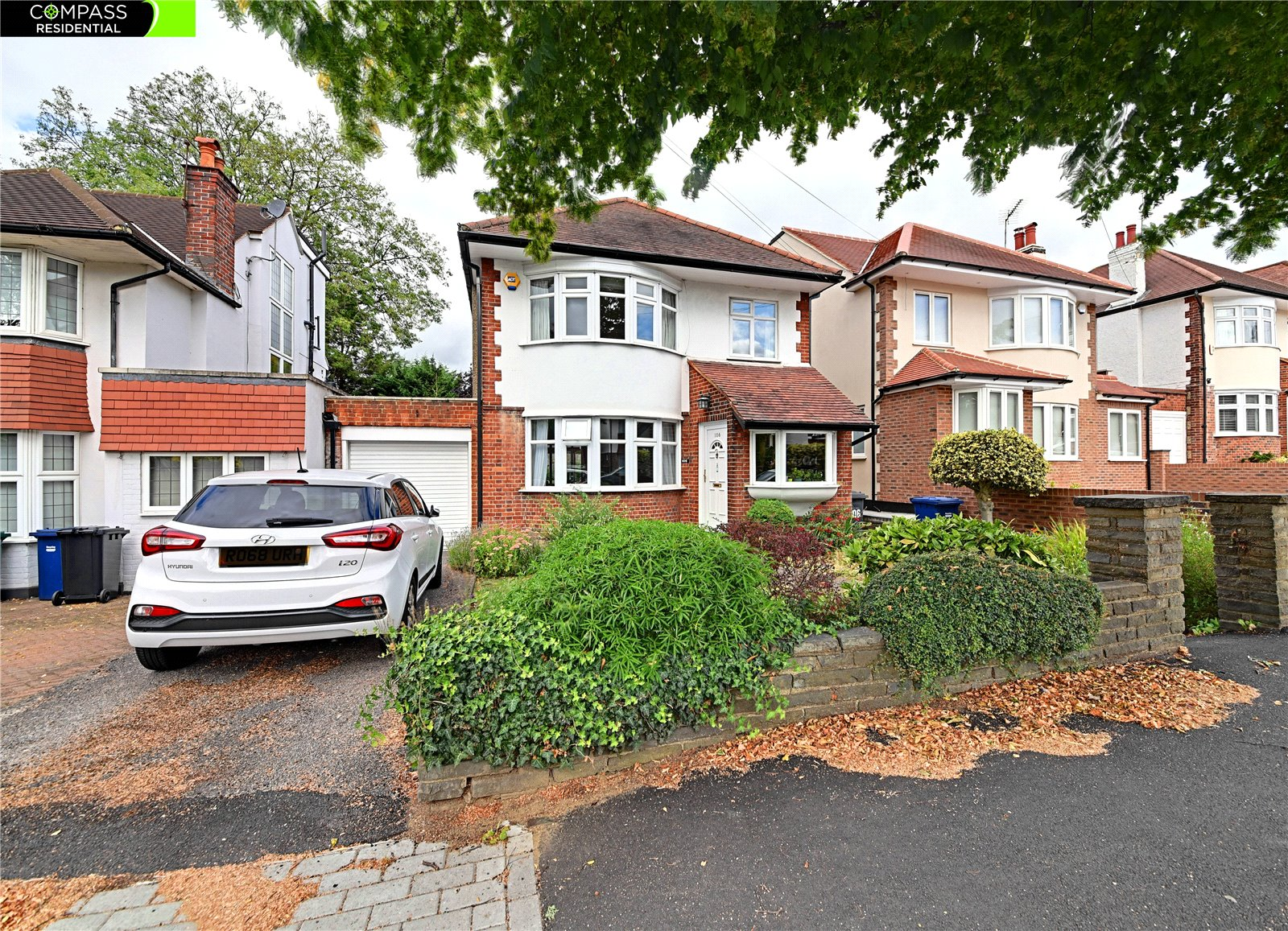 3 bed house for sale in Totteridge, N20 8HL - Property Image 1