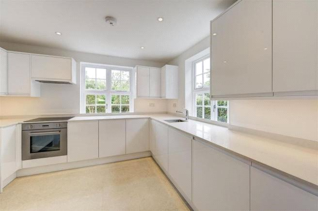 3 bed house to rent in Brookland Rise, Hampstead Garden Suburb, NW11