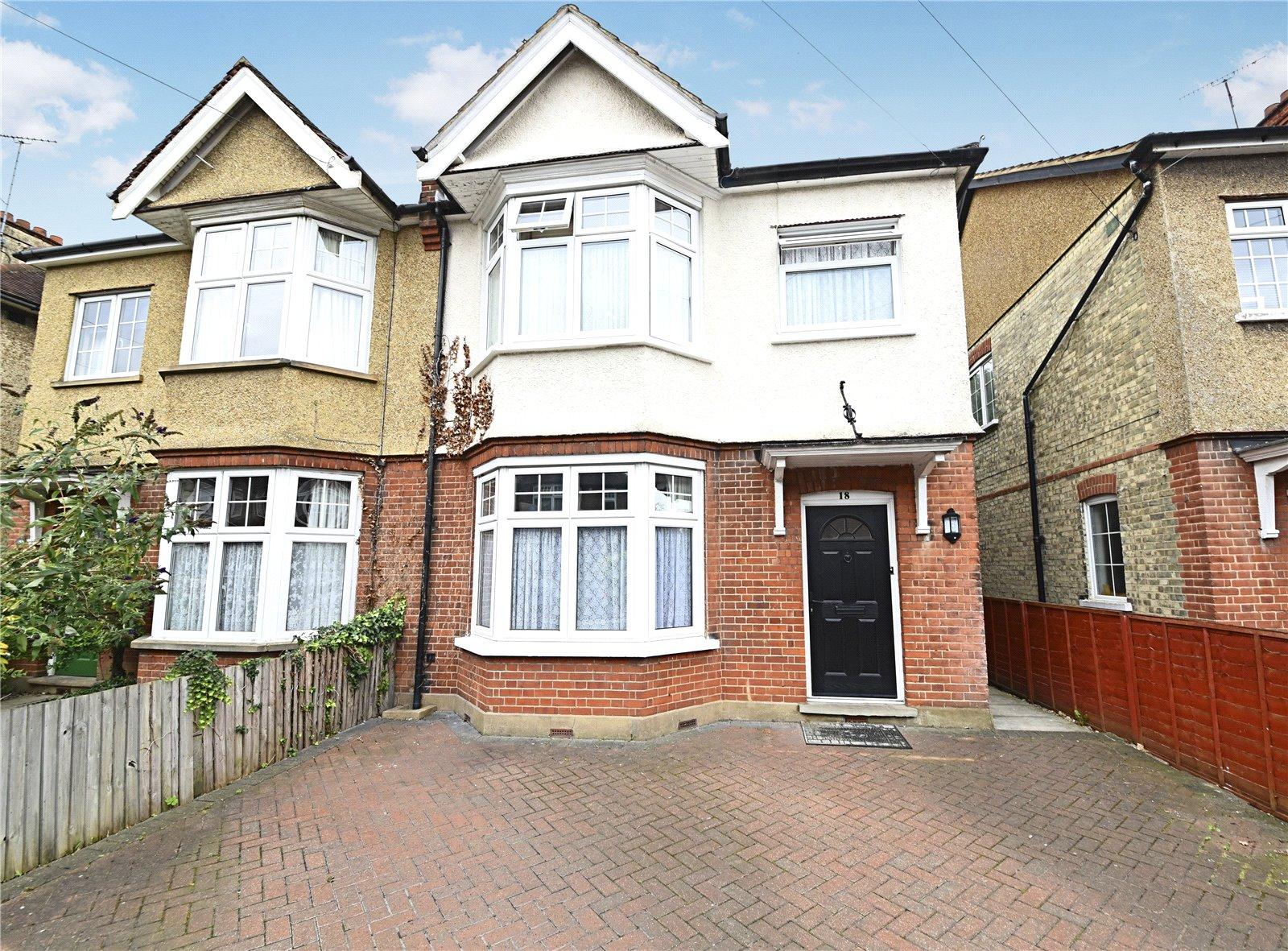 4 bed house for sale in New Barnet, EN5 5HT - Property Image 1