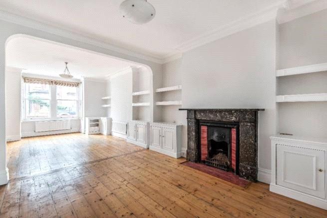 4 bed house to rent in Carnarvon Road, High Barnet, EN5