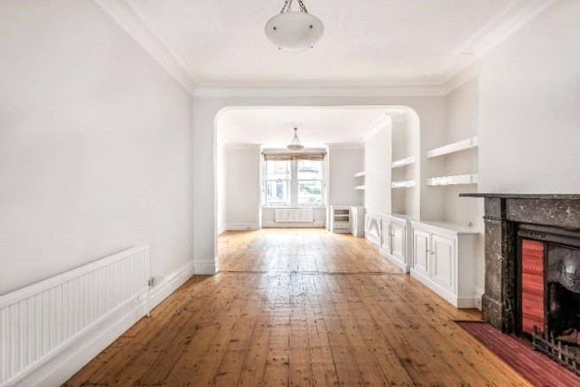 4 bed house to rent in Carnarvon Road, High Barnet 3