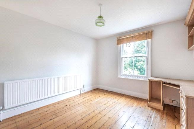 4 bed house to rent in Carnarvon Road, High Barnet  - Property Image 7