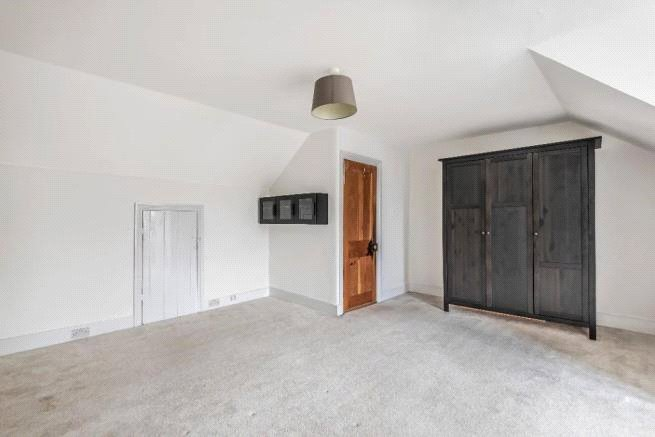4 bed house to rent in Carnarvon Road, High Barnet  - Property Image 11