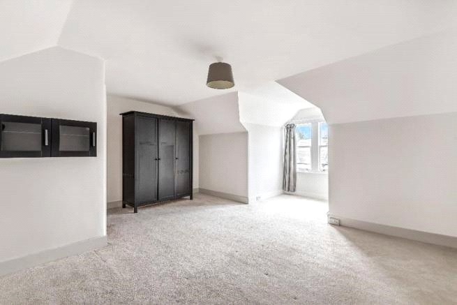 4 bed house to rent in Carnarvon Road, High Barnet  - Property Image 10