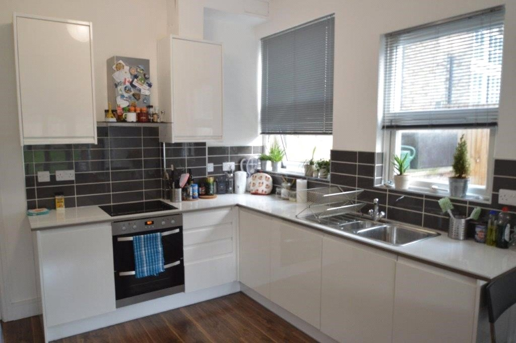 2 bed maisonette to rent in Tottenham, N17 8LY, N17