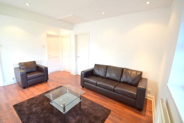 2 bed  to rent in Neale Close, Hampstead Garden Suburb, N2 0