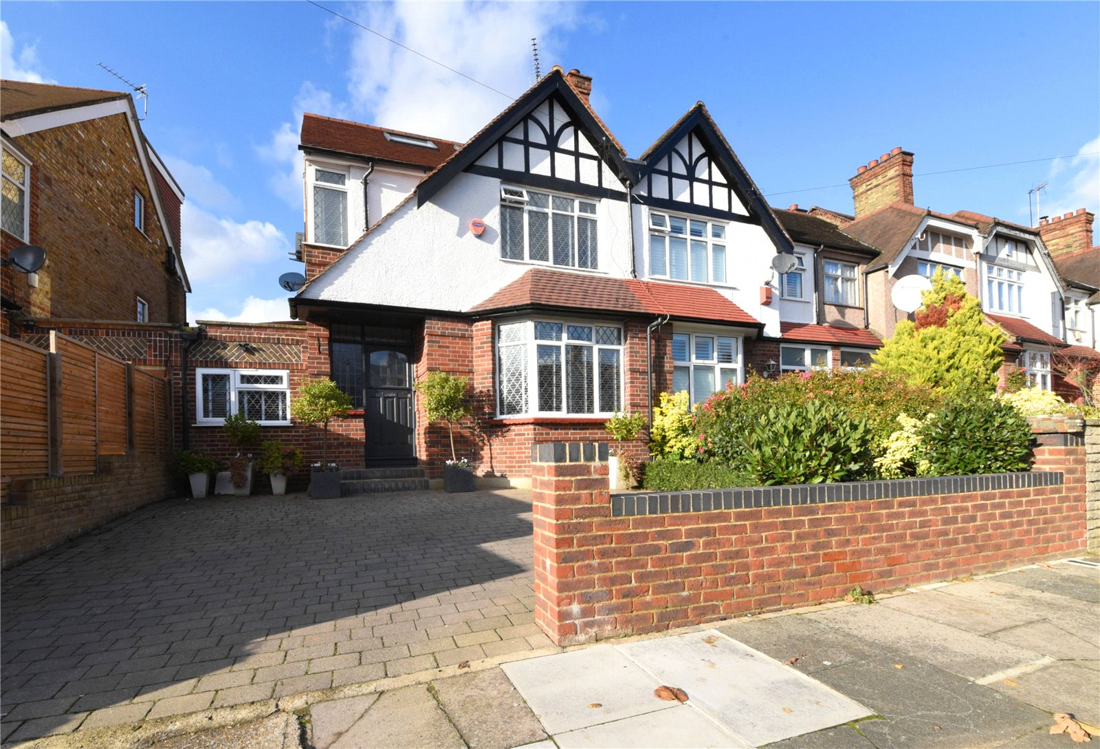 4 bed house for sale in Friern Barnet, N11 1HN 0