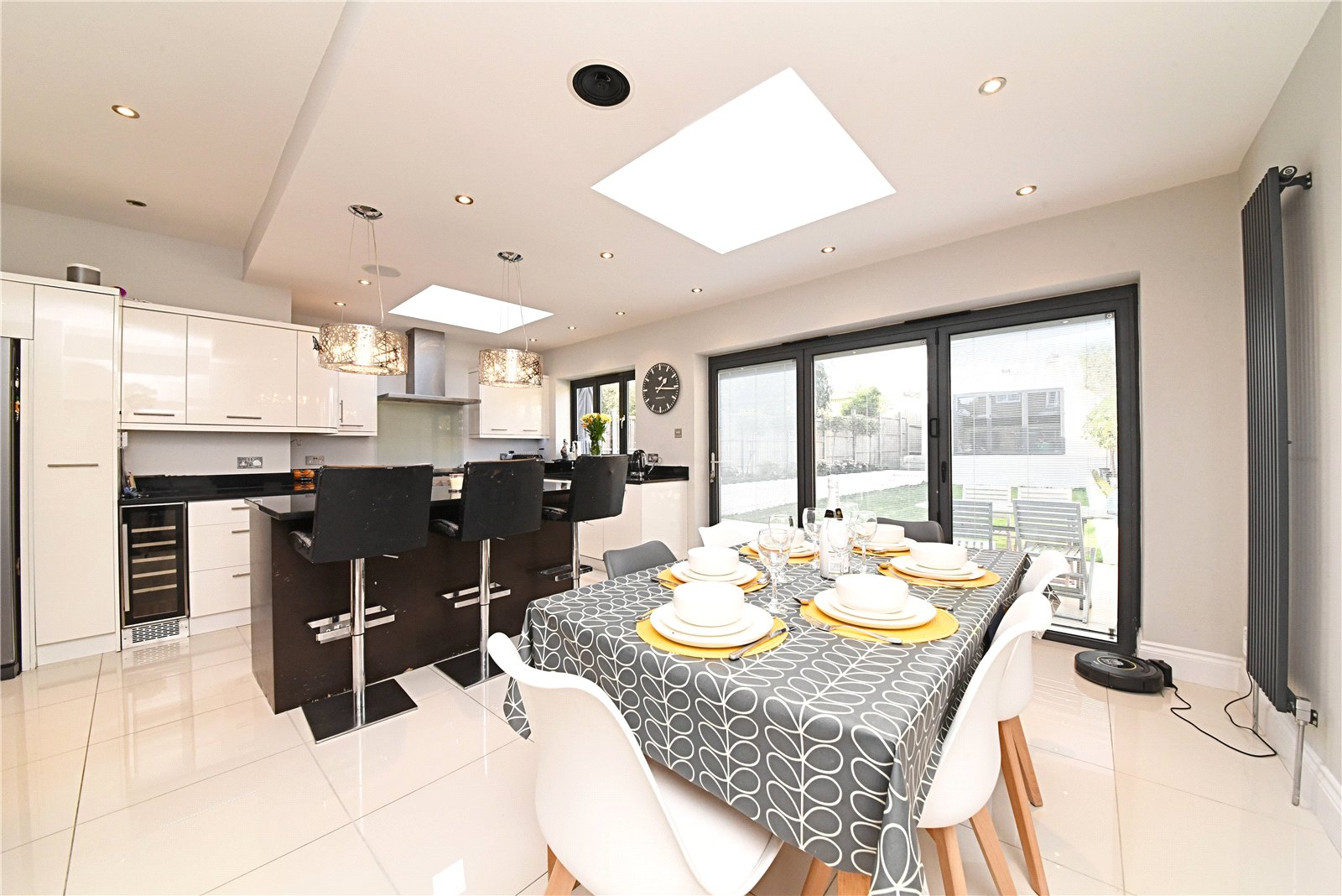 4 bed house for sale in Friern Barnet, N11 1HN 5
