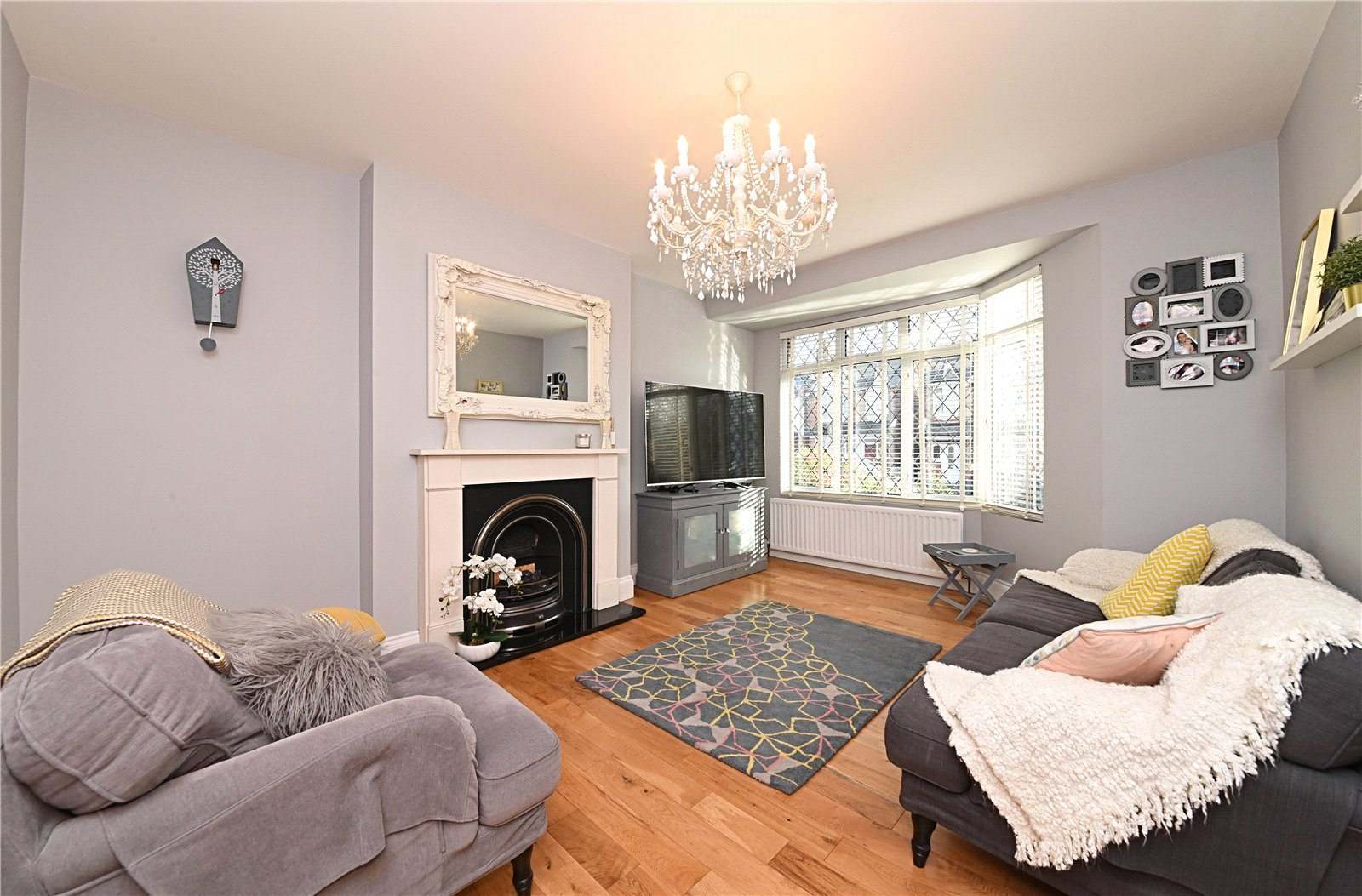 4 bed house for sale in Friern Barnet, N11 1HN 2