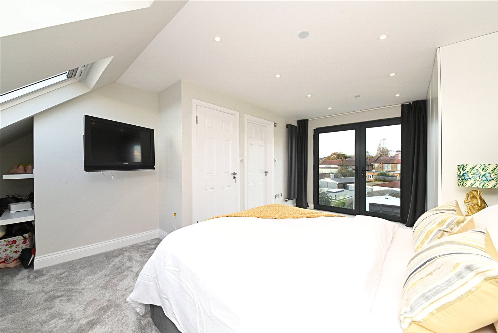 4 bed house for sale in Friern Barnet, N11 1HN 11