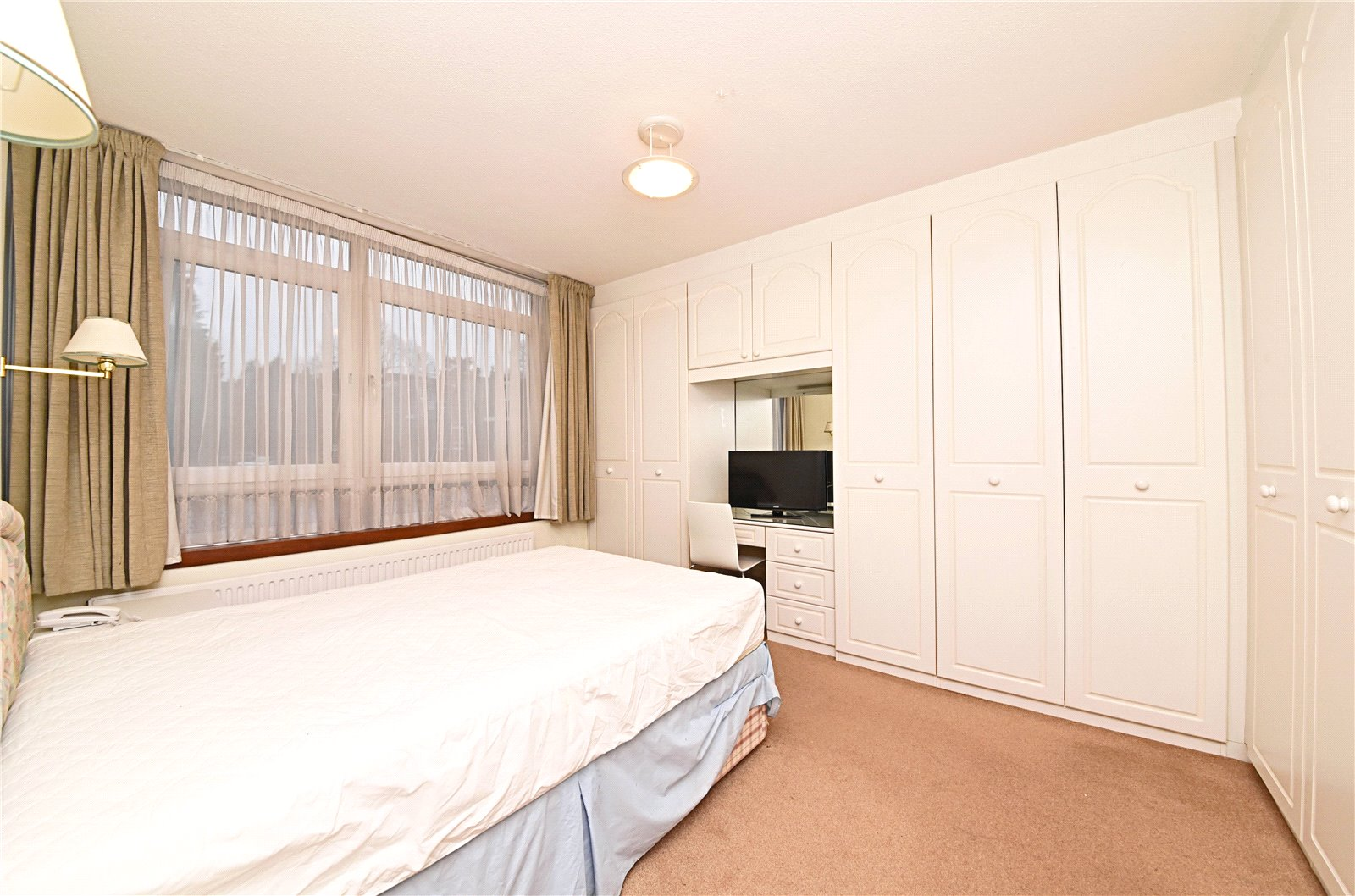 2 bed apartment for sale in Hendon, NW4 1RB 2