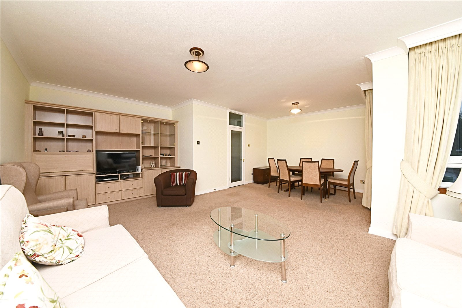 2 bed apartment for sale in Hendon, NW4 1RB 1