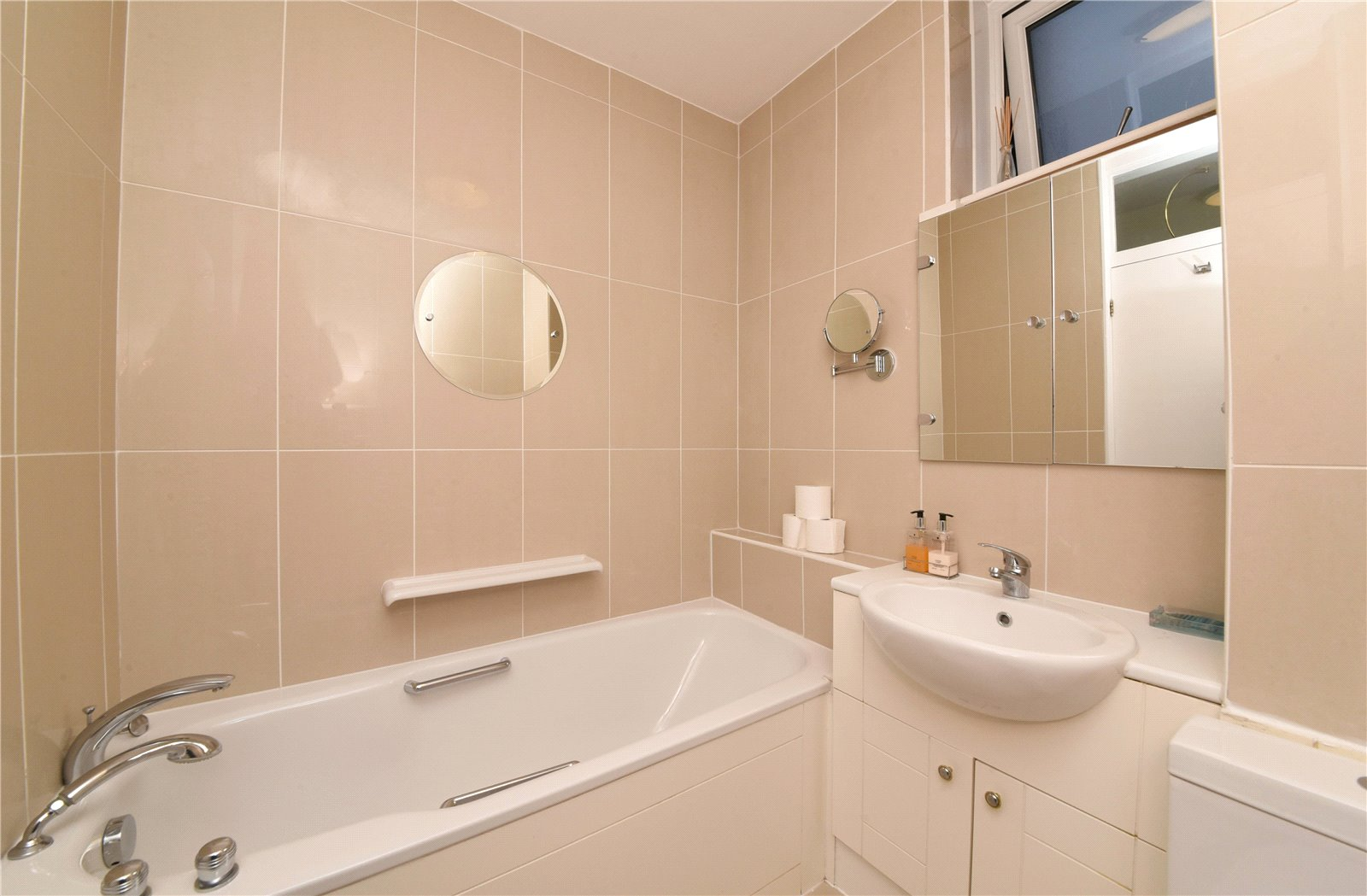2 bed apartment for sale in Hendon, NW4 1RB  - Property Image 4