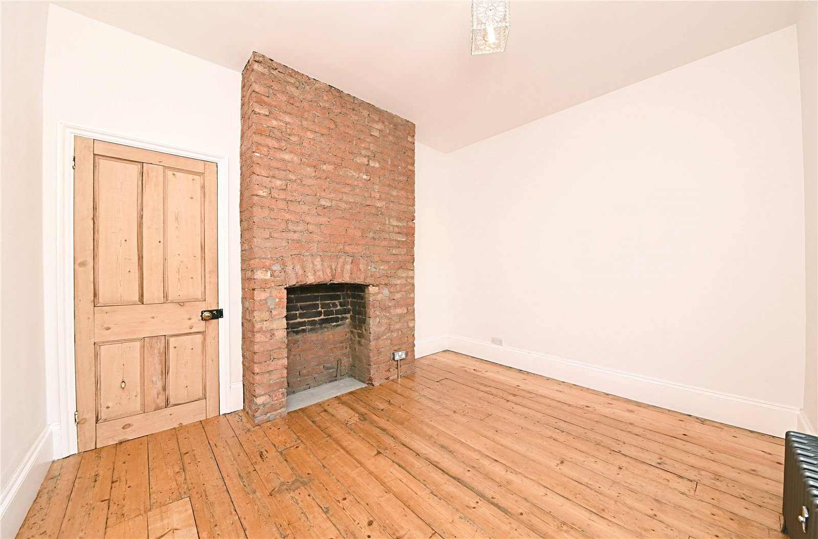 3 bed apartment to rent in Wood Street, High Barnet 8