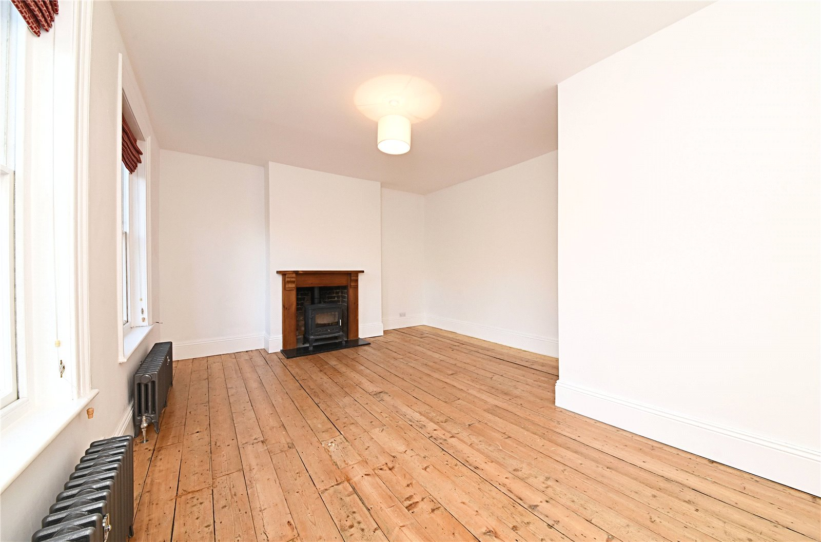 3 bed apartment to rent in Wood Street, High Barnet 9