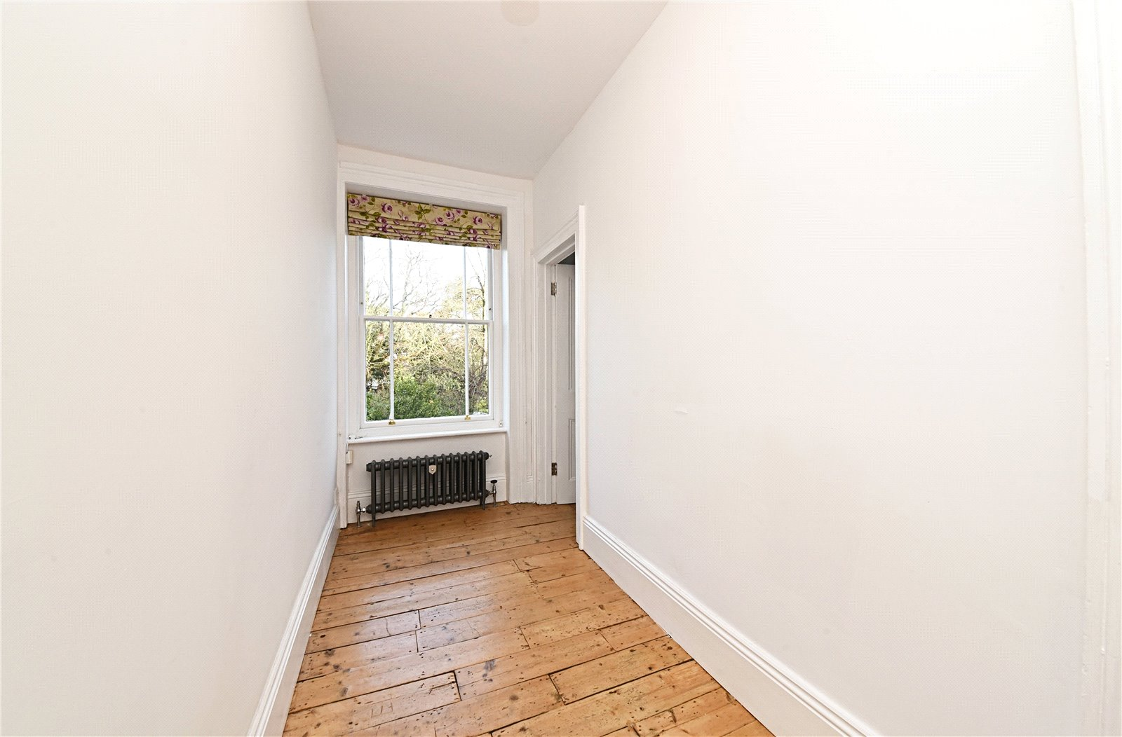 3 bed apartment to rent in Wood Street, High Barnet  - Property Image 11