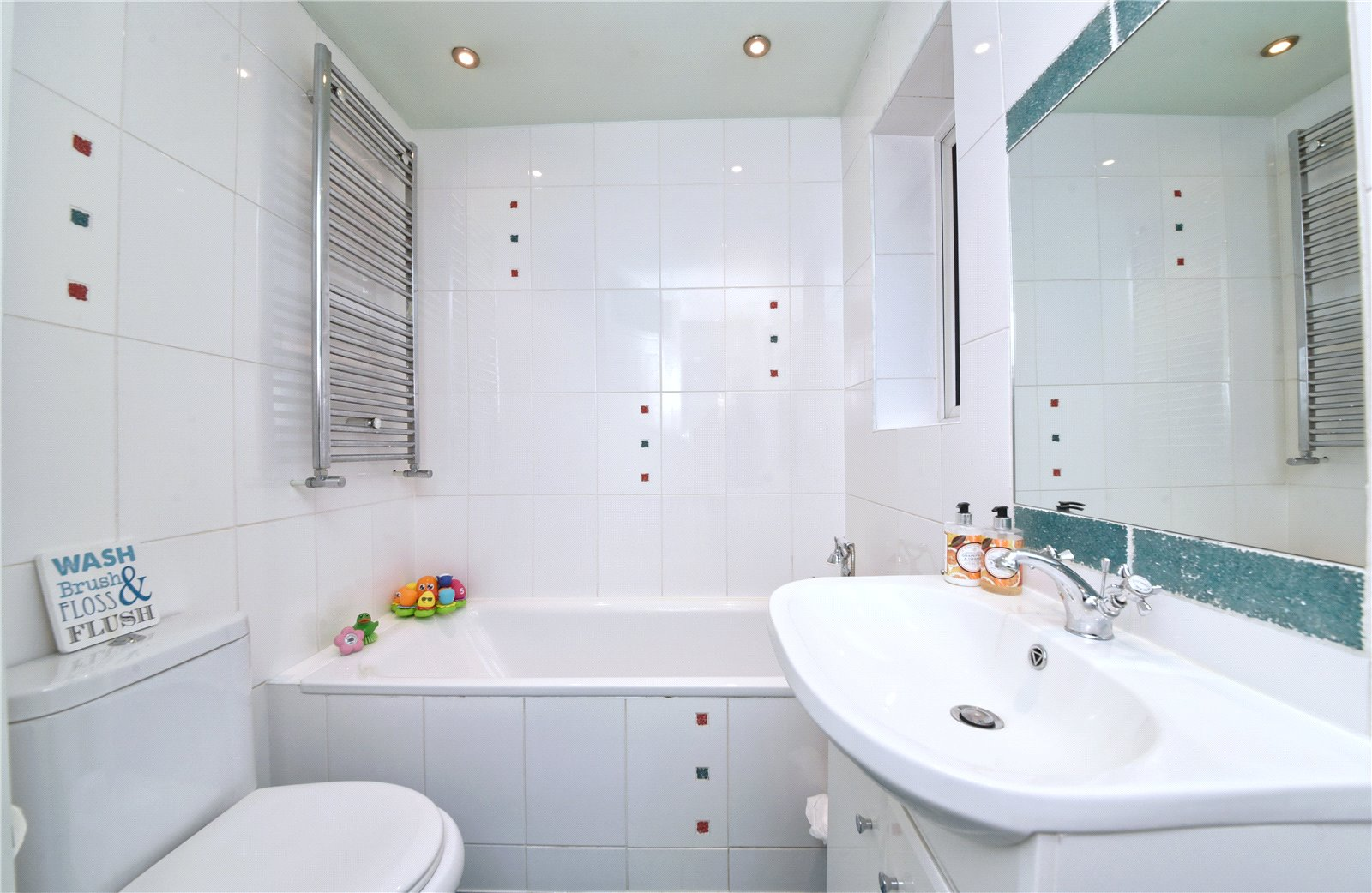 3 bed house for sale in Edgware, HA8 8XT 2
