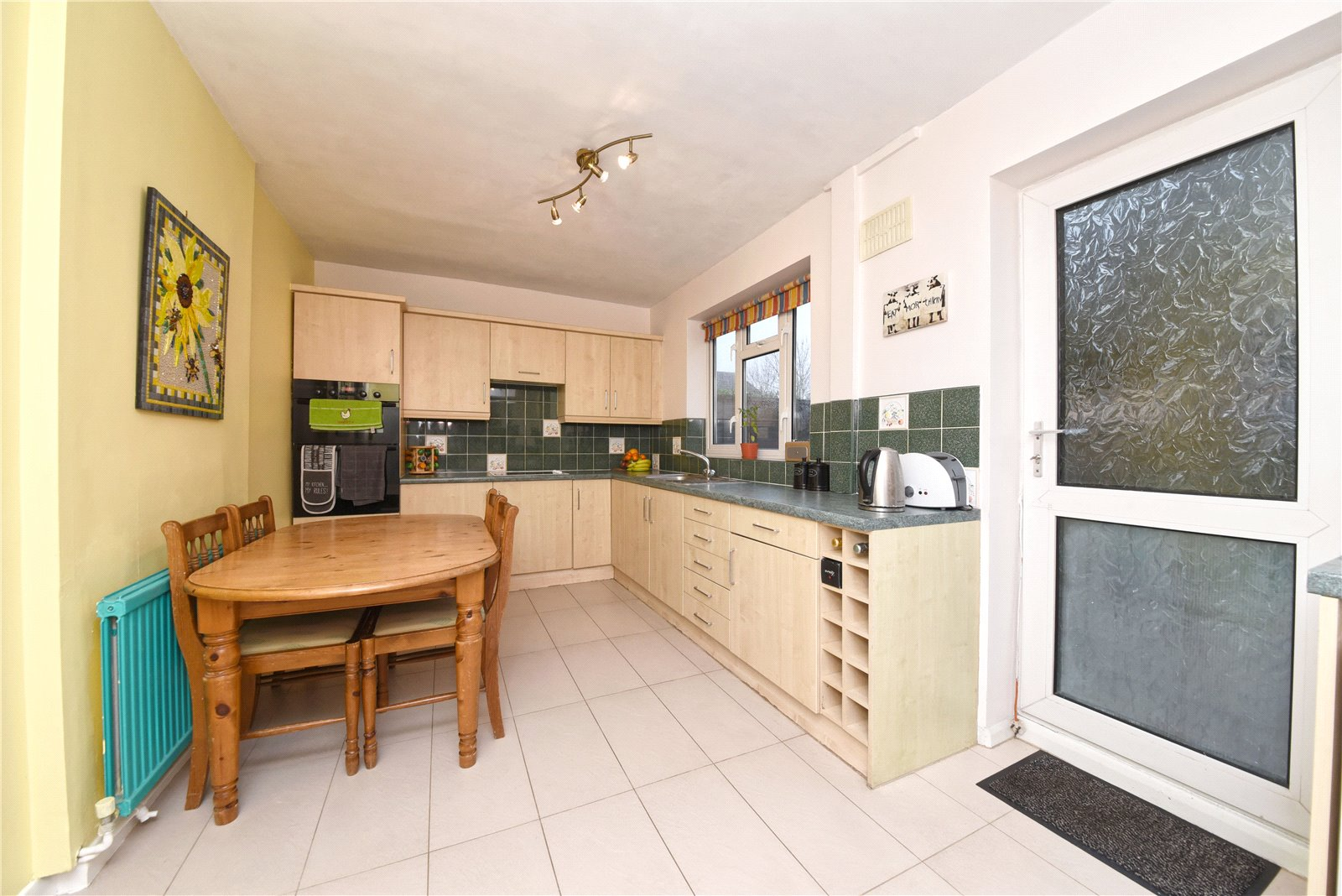 3 bed house for sale in Edgware, HA8 8XT 1
