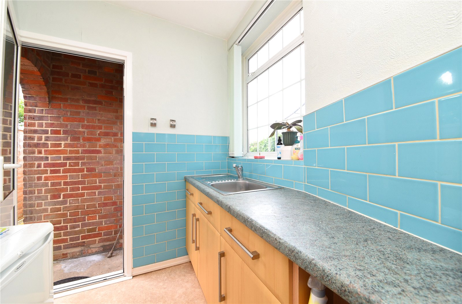 3 bed house for sale in London, N12 9ND 6