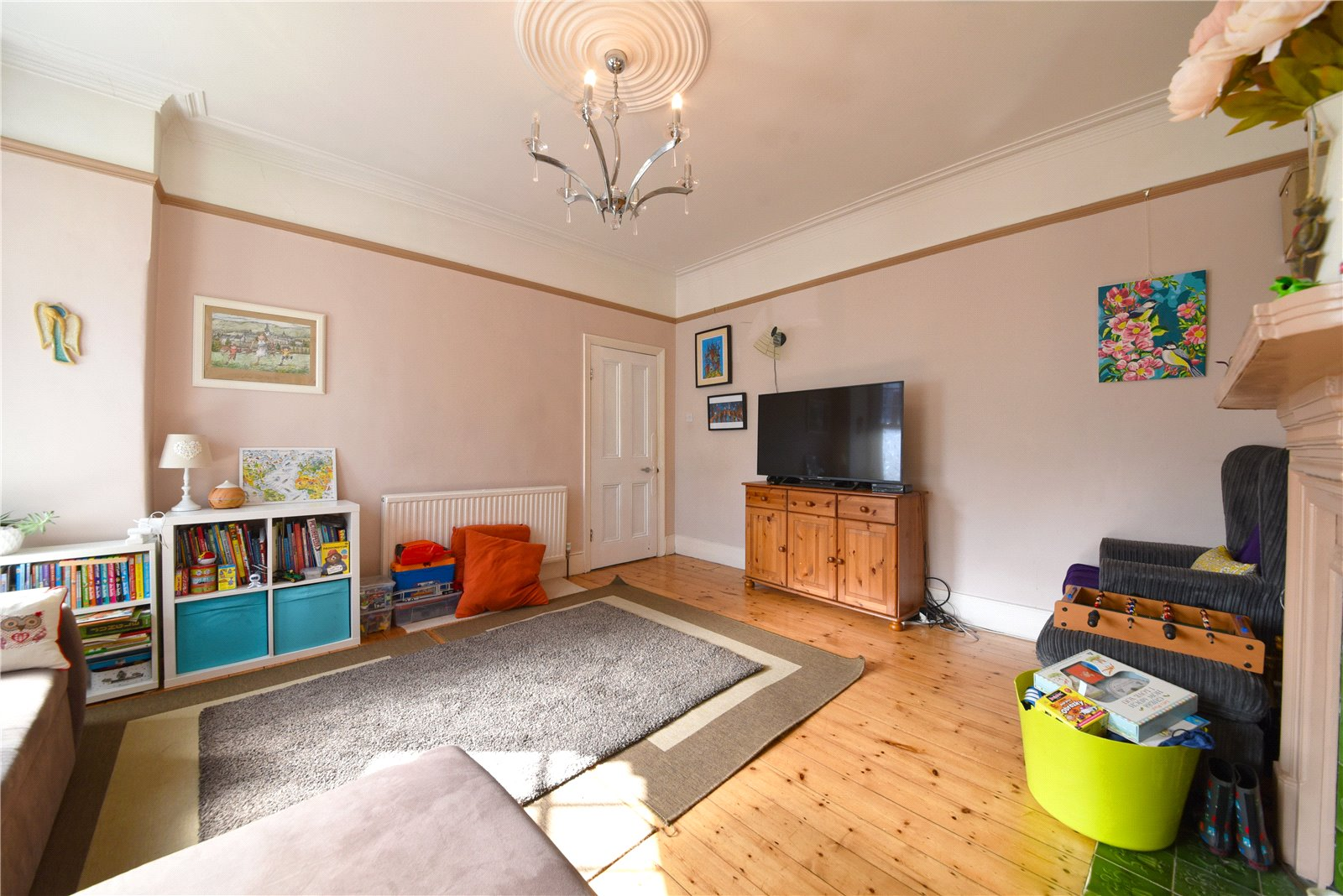 2 bed apartment for sale in East Finchley, N2 0SX  - Property Image 1