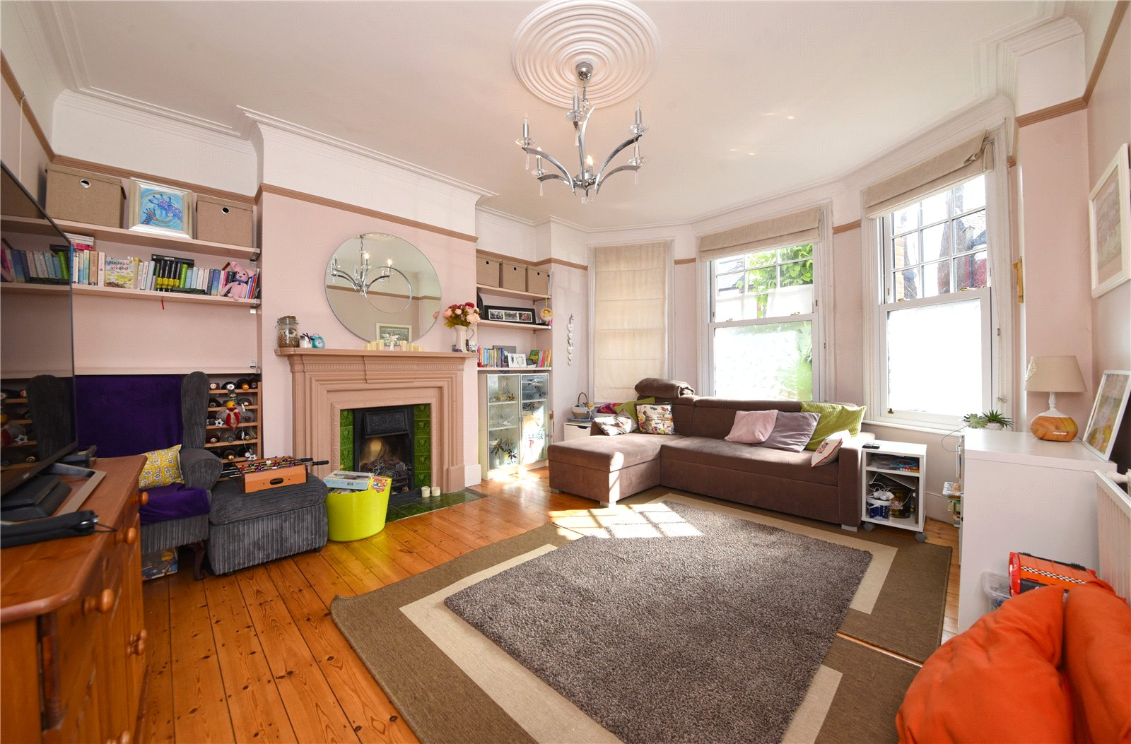2 bed apartment for sale in East Finchley, N2 0SX 1