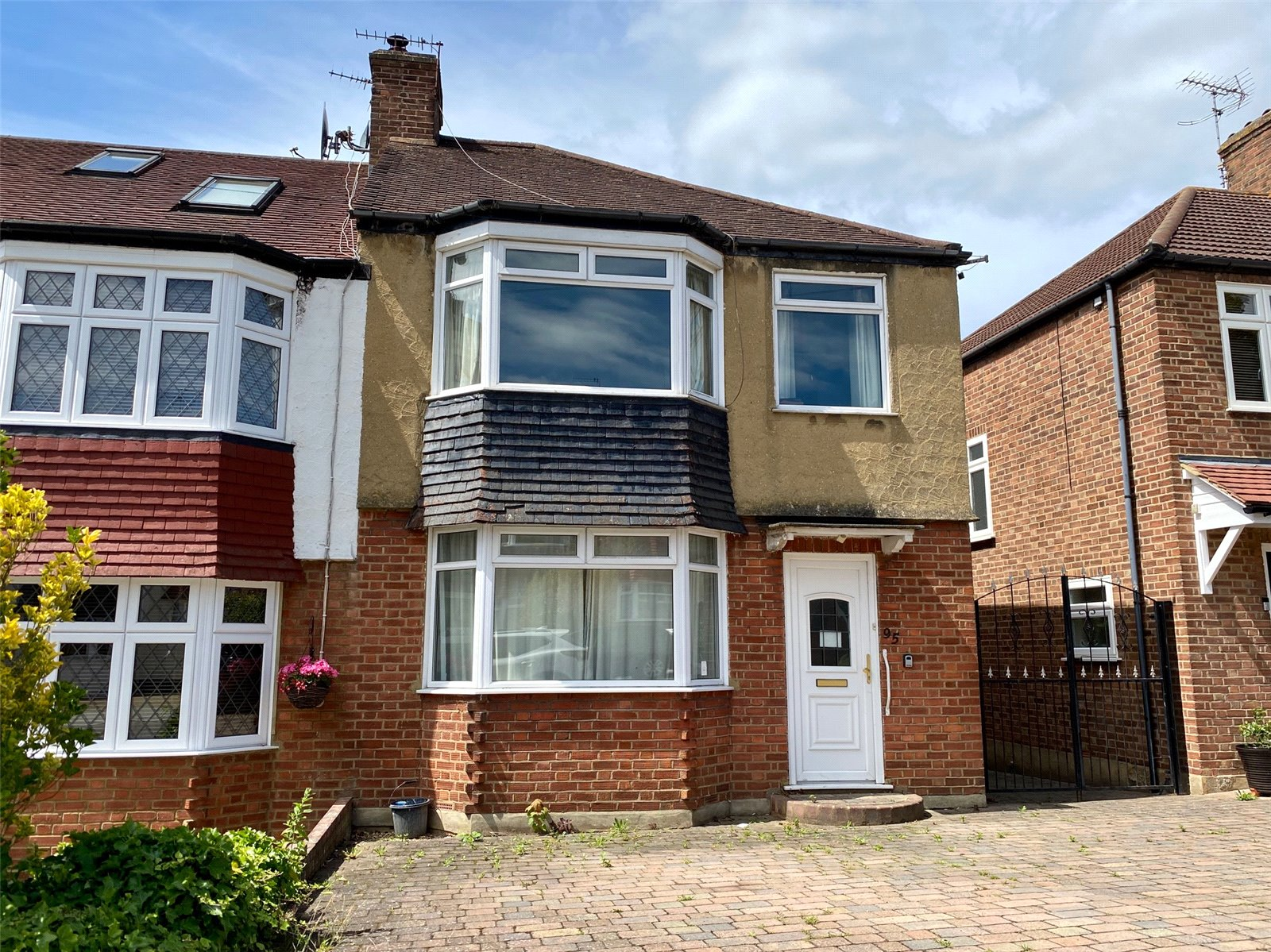 3 bed house for sale in Barnet, EN5 2BP  - Property Image 1
