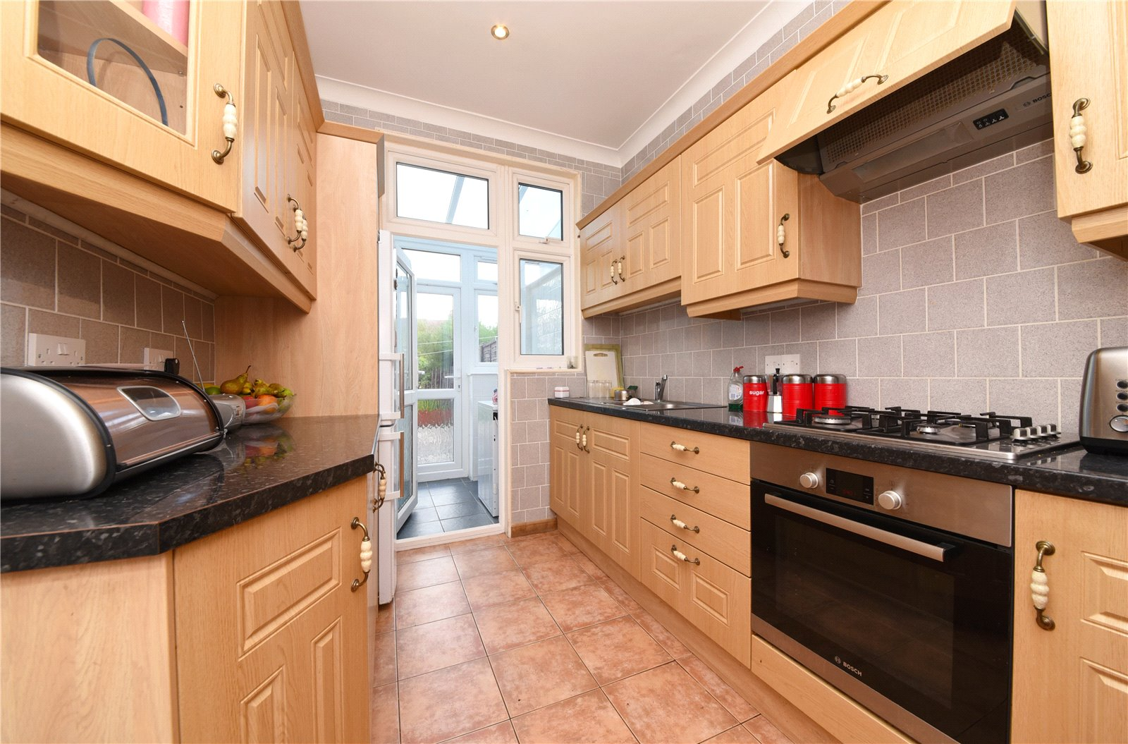 3 bed house to rent in Berkshire Gardens, Palmers Green, N13
