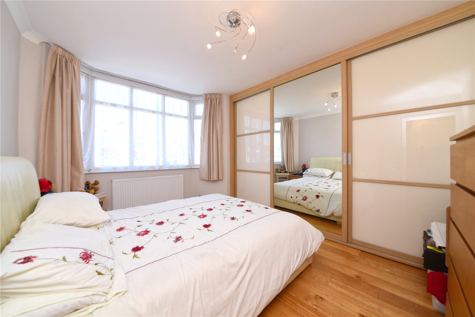 3 bed house for sale in Southgate, N14 4NY 1