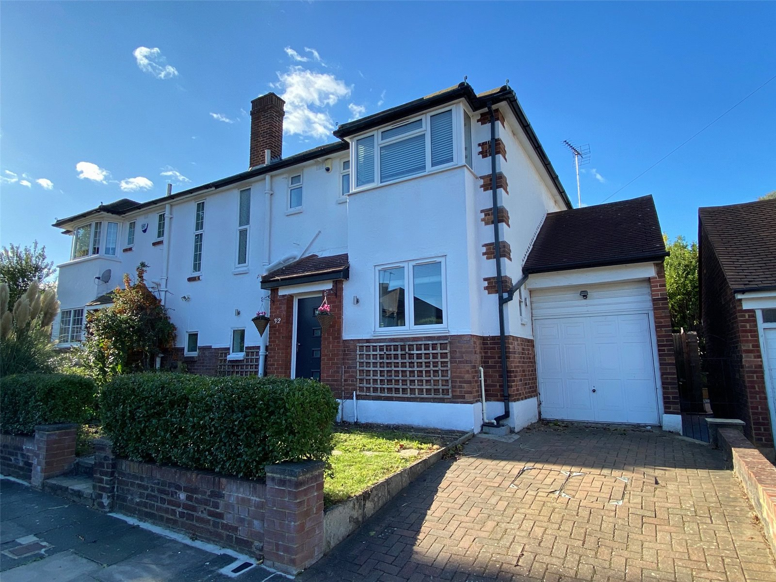 3 bed house for sale in High Barnet, EN5 1AL - Property Image 1