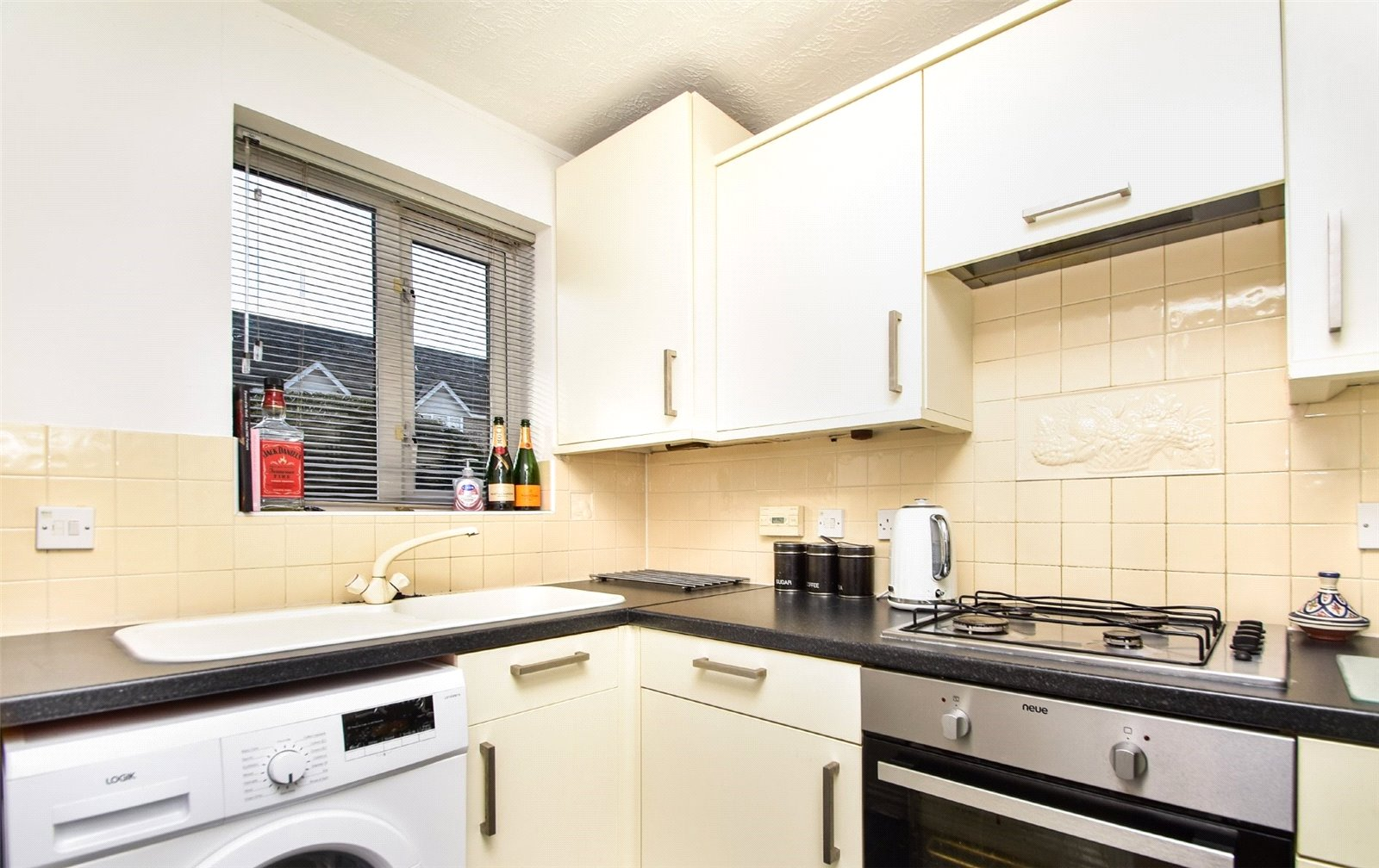 2 bed house to rent in New Southgate, N11 3PY  - Property Image 3