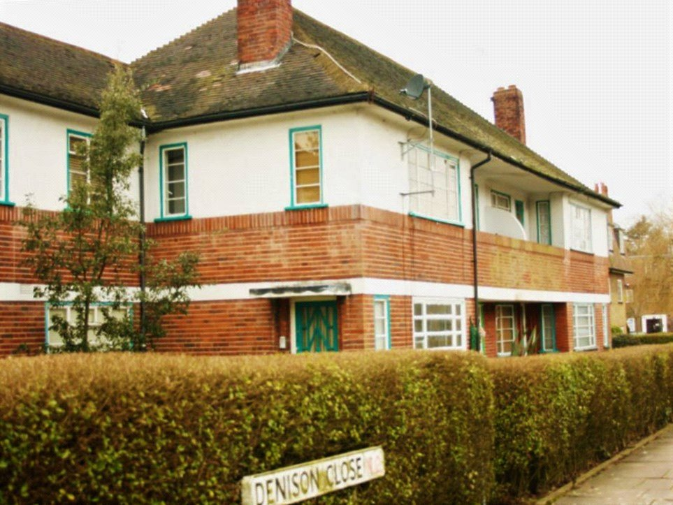 2 bed apartment to rent in Denison Close, Hampstead Garden Suburb, N2 0