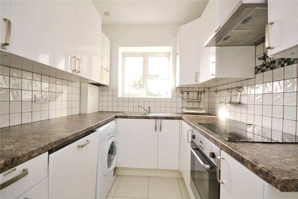 3 bed apartment to rent in Finchley, N12 0AU, N12