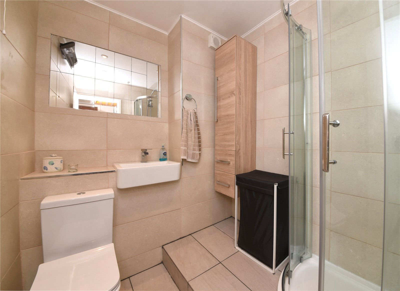 Apartment for sale in New Barnet, EN4 9PJ - Property Image 1