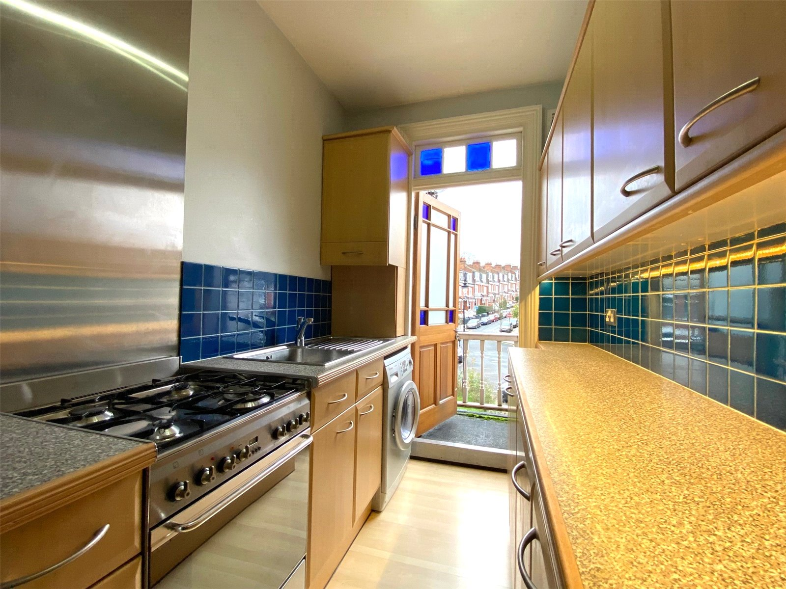 2 bed apartment to rent in Highgate, N6 5PZ - Property Image 1
