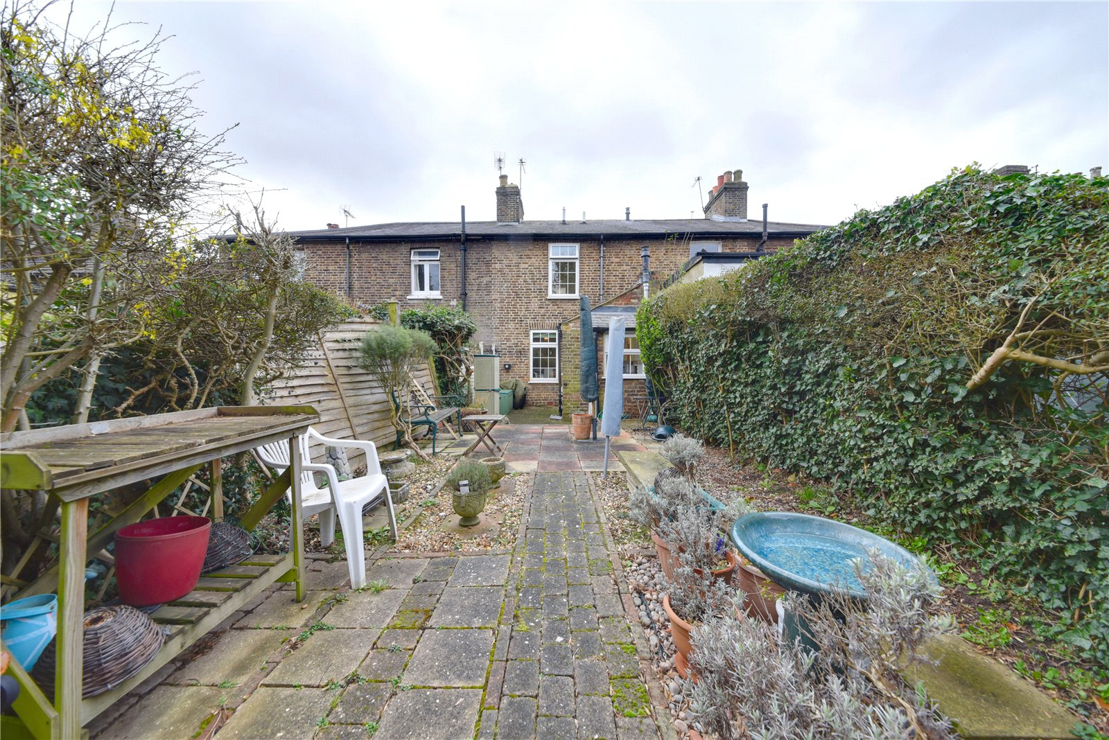 2 bed house for sale in London, N12 9JN 3