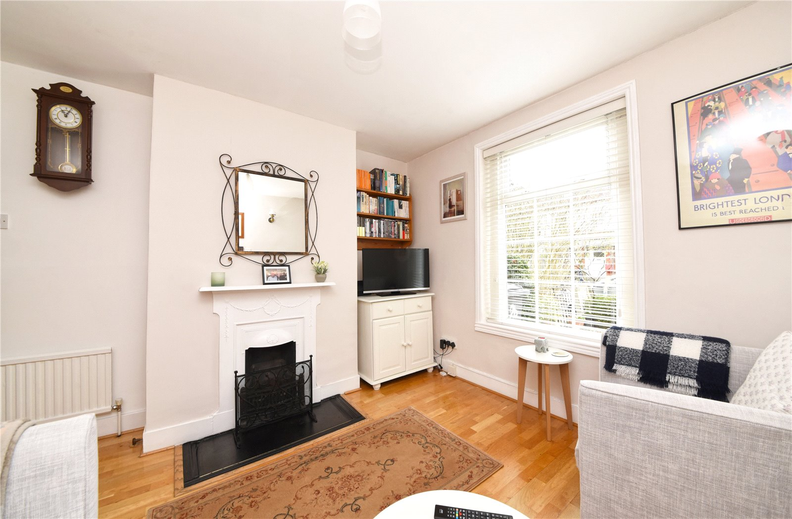 2 bed house for sale in London, N12 9JN 4