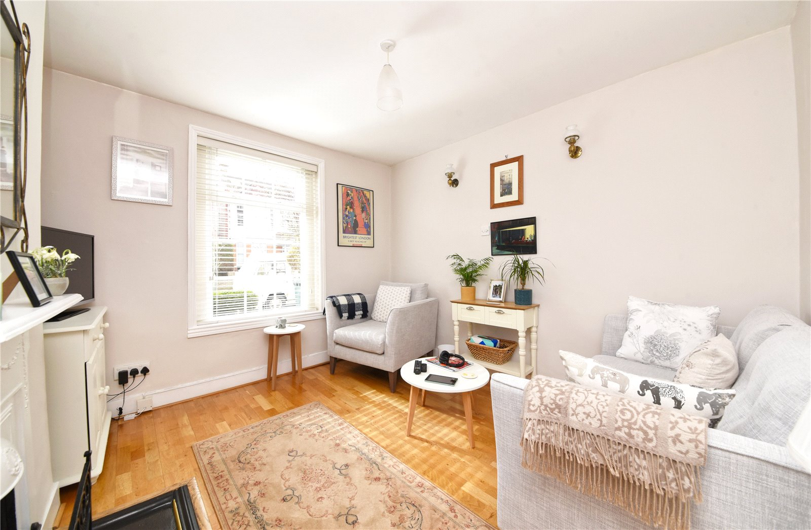 2 bed house for sale in London, N12 9JN 5