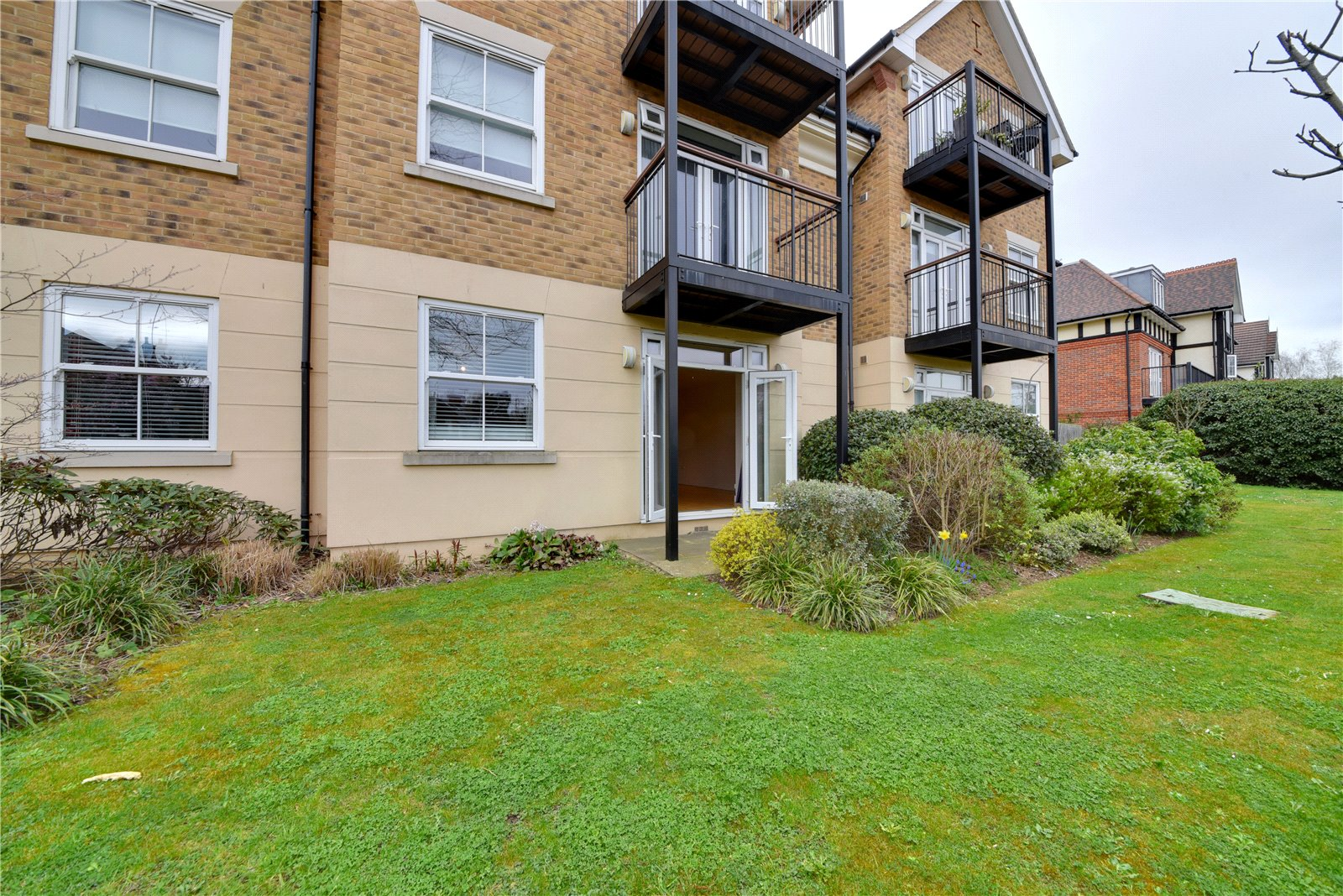 2 bed apartment for sale in Mill Hill East, NW7 1ND 4