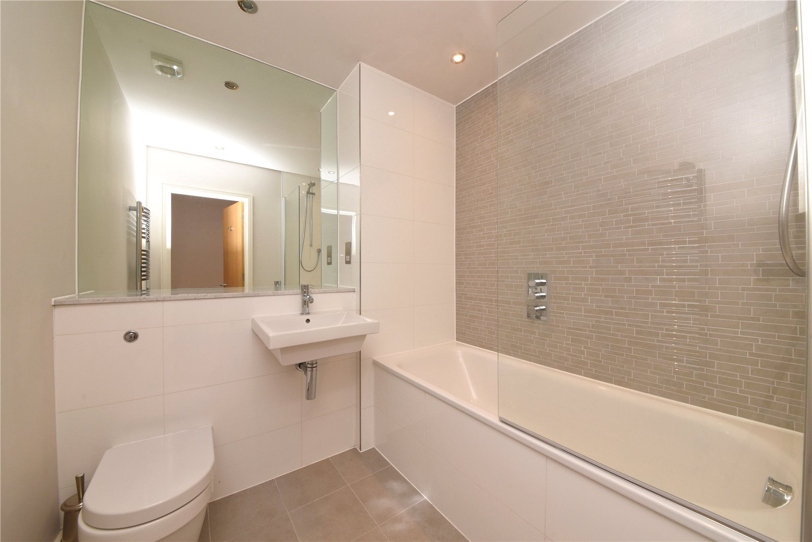 2 bed apartment for sale in Mill Hill East, NW7 1ND 2