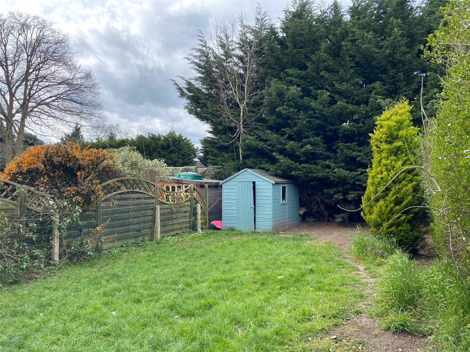 3 bed house to rent in Bricket Wood, AL2 3NB 1