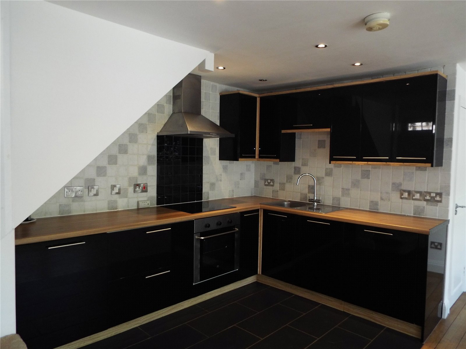 1 bed house to rent in Potters Bar, EN6 1EY 0
