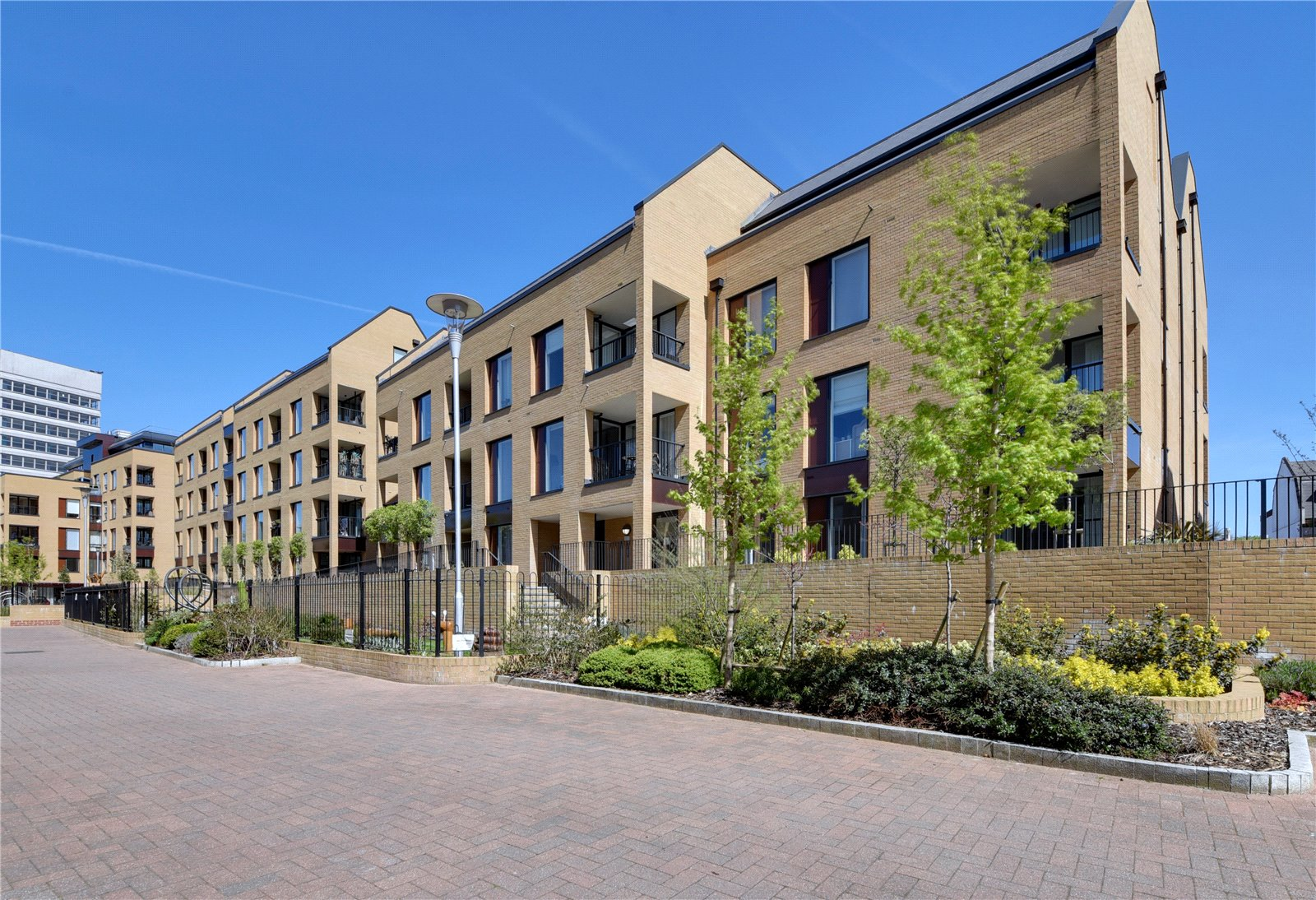 2 bed apartment for sale in Whetstone, N20 0ER, N20