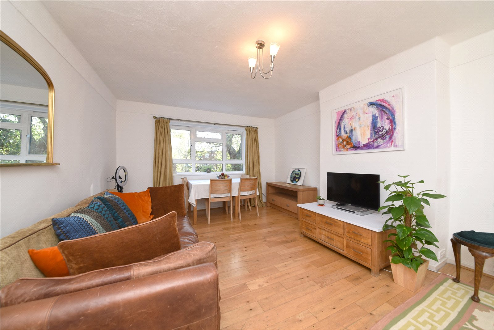2 bed apartment for sale in Burnbrae Close, Finchley, N12