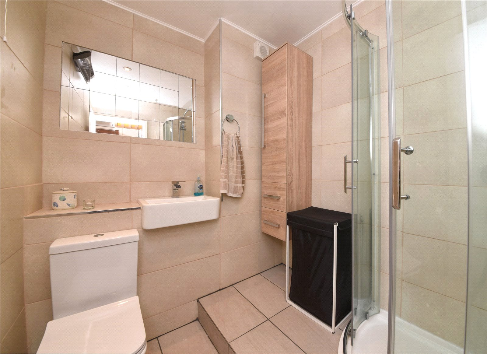 Apartment to rent in Glyn Avenue, New Barnet  - Property Image 3